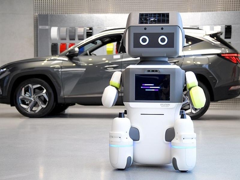 Meet Hyundai's newest employee - DAL-e the robot. (images: Hyundai)