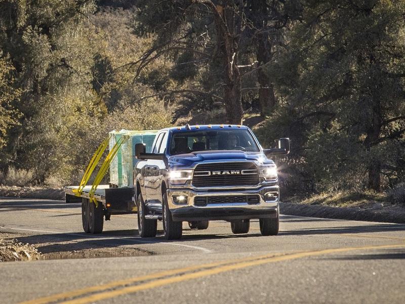 Load it up and (hot shot) truck it. (image: Stellantis)