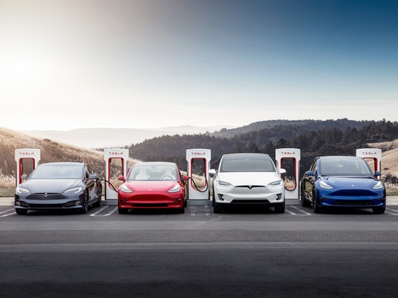 Tesla failed an EPA driving range test from Edmunds, twice. (images: Tesla)