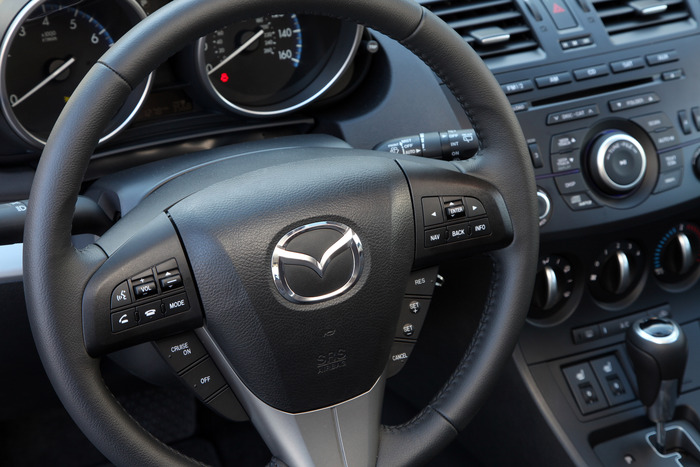 Review 2012 Mazda 3 Skyactiv Web2carz
