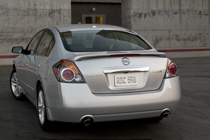 Review: 2012 Nissan Altima | Web2Carz