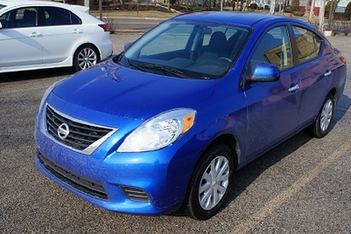 2012 Nissan Versa Review