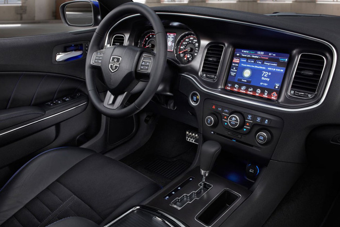 2013 dodge charger r t awd review web2carz for 2014 dodge charger sxt interior