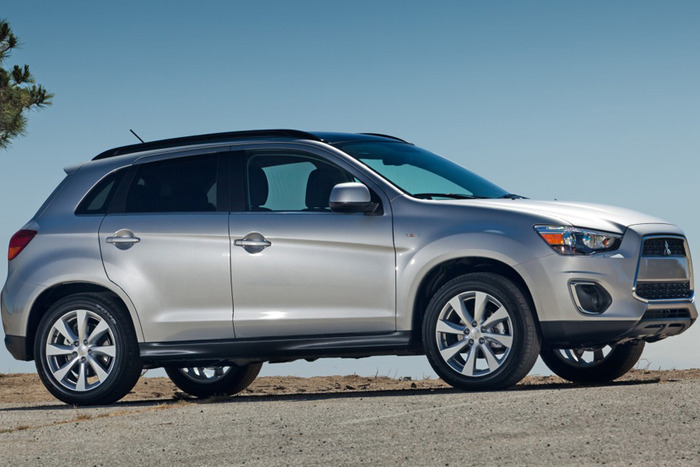 2013 Mitsubishi Outlander Sport SE Review