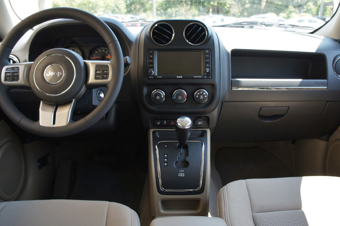 Jeep Latitude 2015 >> A Jeep of a Different Caliber | Web2Carz