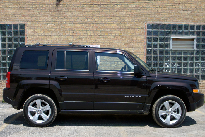2014 jeep patriot latitude a jeep of a different caliber web2carz. Cars Review. Best American Auto & Cars Review