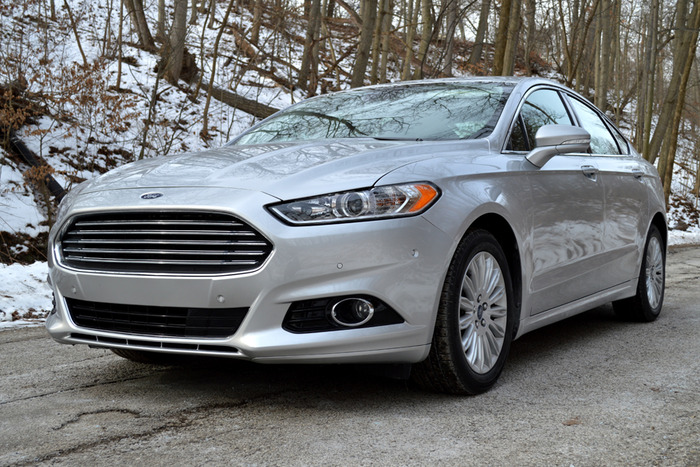 2014 Ford Fusion Hybrid Review | Web2Carz