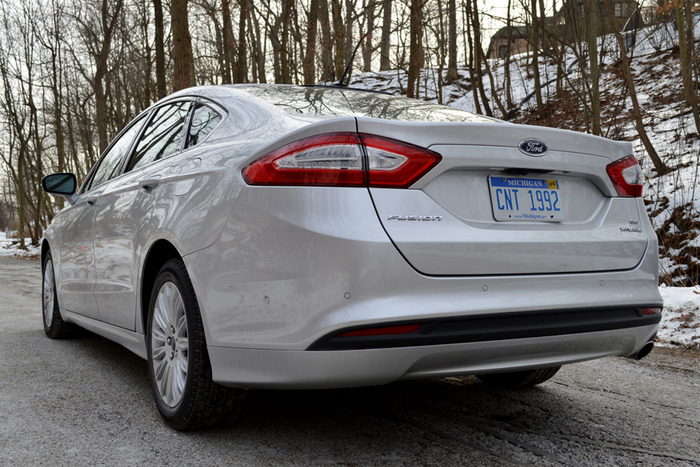 2014 ford fusion hybrid review web2carz. Cars Review. Best American Auto & Cars Review