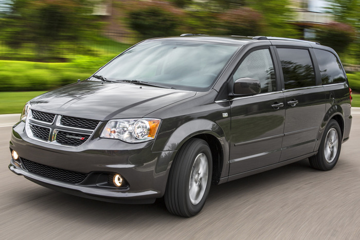 2014 dodge grand caravan sxt blacktop review web2carz. Black Bedroom Furniture Sets. Home Design Ideas