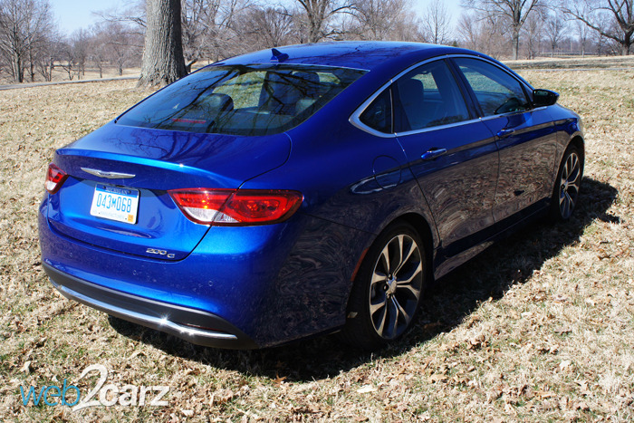 2015 Chrysler 200 Limited Review | Web2Carz