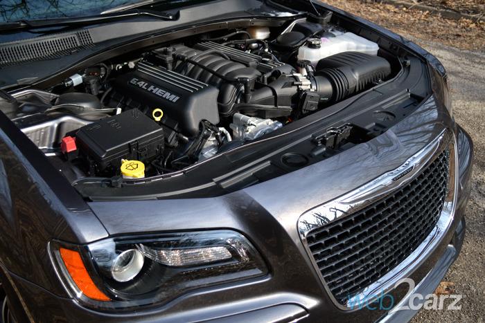 Chrysler 300  Carsquarecom