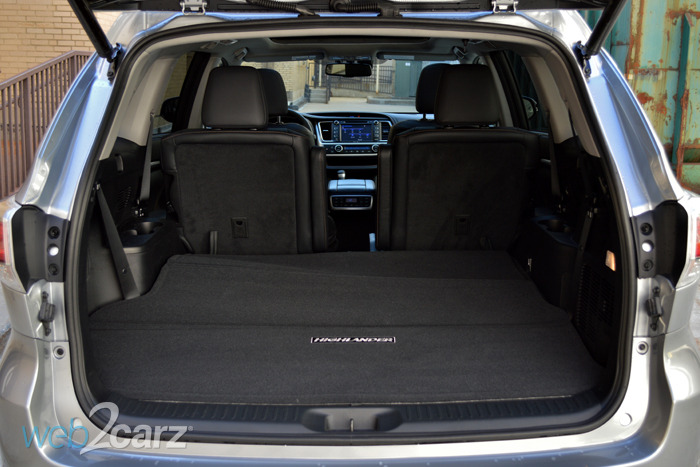 2014 toyota highlander hybrid review web2carz. Black Bedroom Furniture Sets. Home Design Ideas