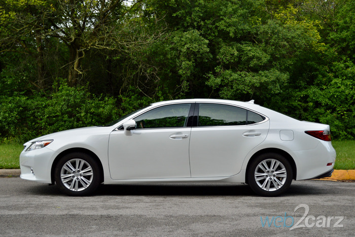 2014 Lexus ES350 Review