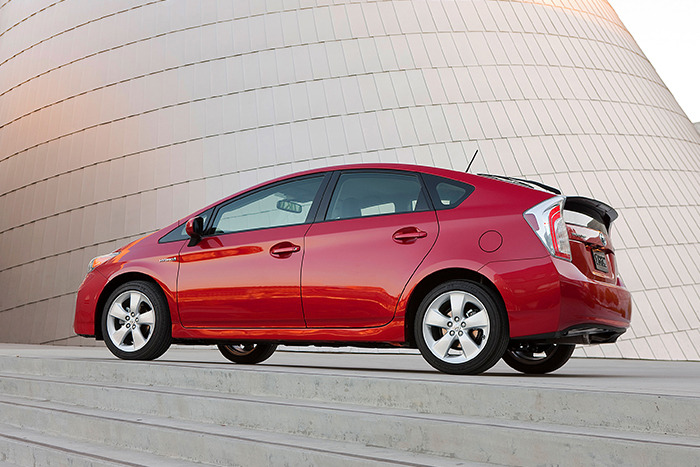 2014 Toyota Prius Review