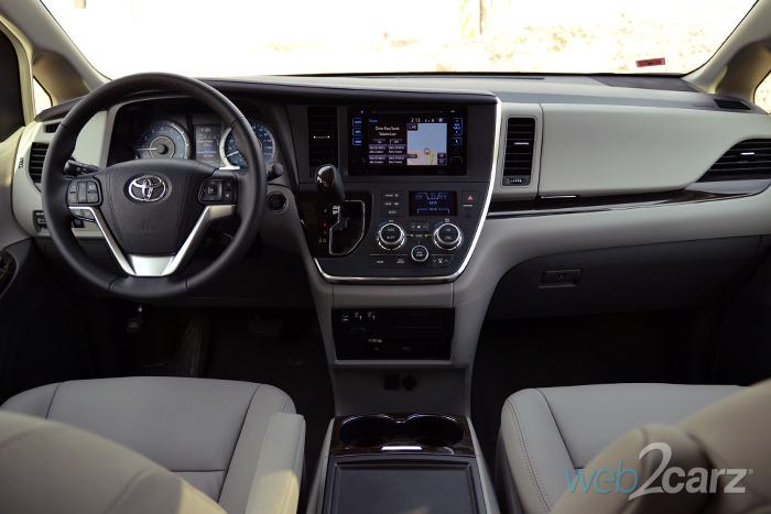 Toyota Sienna Le Interior Photos