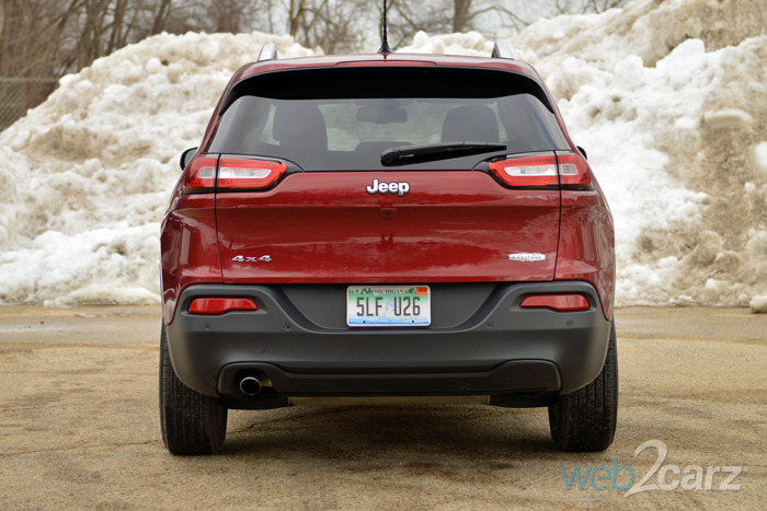 2015 jeep cherokee latitude 4x4 review. Black Bedroom Furniture Sets. Home Design Ideas