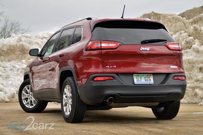 2015 jeep cherokee latitude 4x4 review web2carz. Black Bedroom Furniture Sets. Home Design Ideas