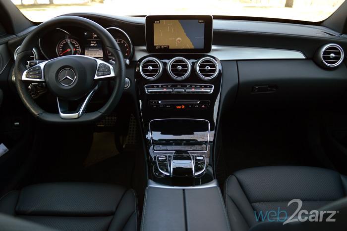 Image gallery c300 interior for Mercedes benz c class 2015 interior