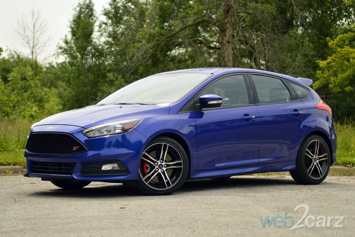 2015 ford focus st review web2carz. Black Bedroom Furniture Sets. Home Design Ideas