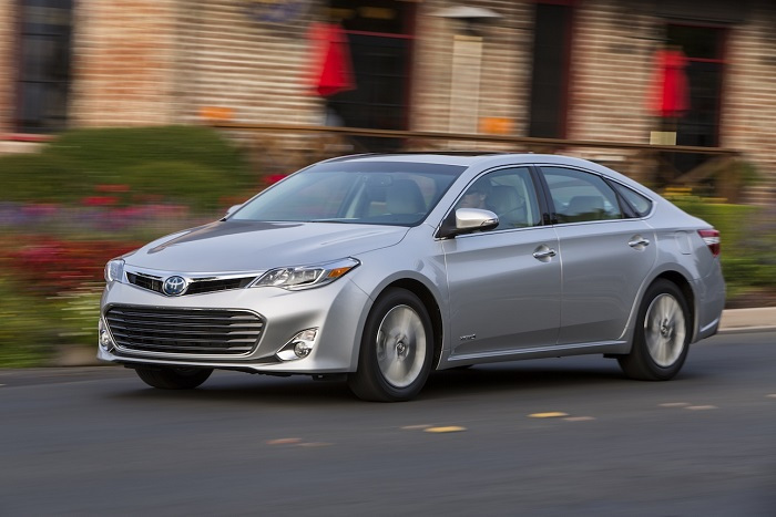 2015 Toyota Avalon Hybrid XLE Premium Review