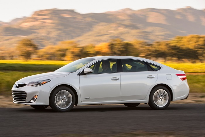 2015 toyota avalon hybrid xle premium review web2carz. Black Bedroom Furniture Sets. Home Design Ideas