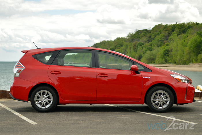 2015 toyota prius v four review web2carz. Black Bedroom Furniture Sets. Home Design Ideas