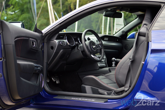 2015 Ford Mustang Ecoboost Interior 63825 Vizualize