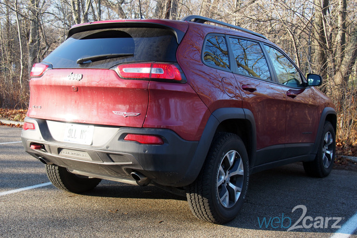 2016 jeep cherokee trailhawk review web2carz. Black Bedroom Furniture Sets. Home Design Ideas