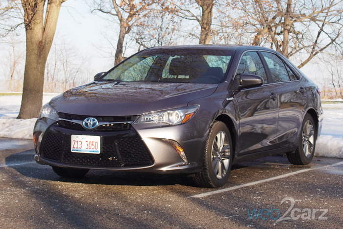 The 2016 Toyota Camry Hybrid SE is Efficiency for All