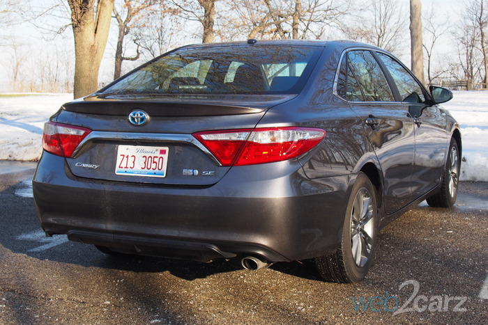 2016 Toyota Camry Hybrid SE Review | Web2Carz