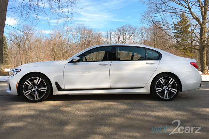 2016 BMW 750i xDrive Sedan Review