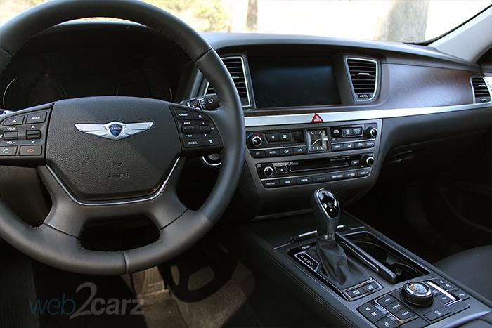 Hyundai Genesis   Rwd Review Webcarz