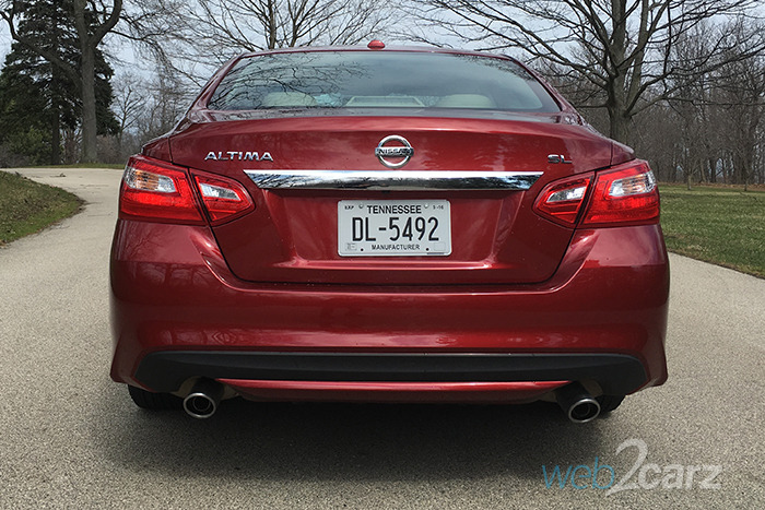 2016 Nissan Altima 2.5 SL Review | Web2Carz