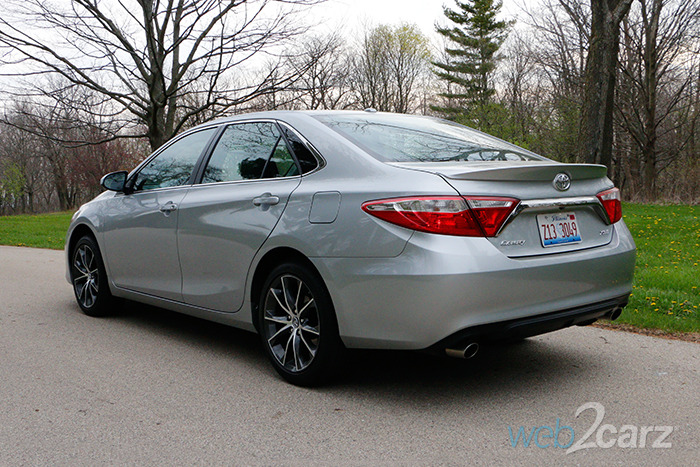 2016 toyota camry xse v6 review web2carz. Black Bedroom Furniture Sets. Home Design Ideas