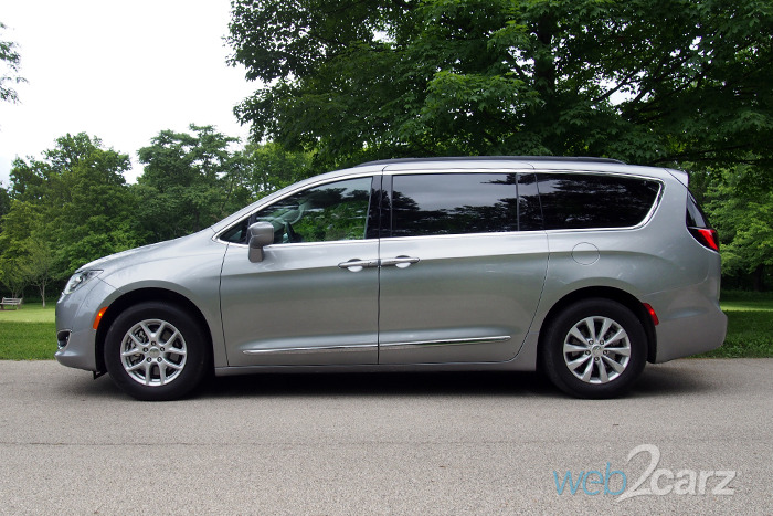 2017 Chrysler Pacifica Touring L Review
