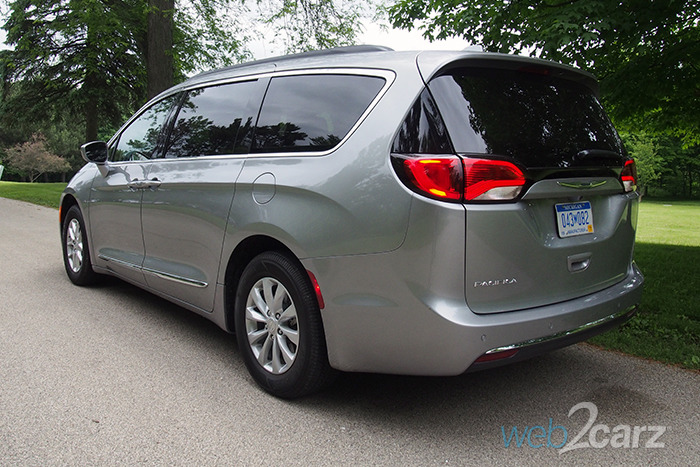 Best Used Minivan >> 2017 Chrysler Pacifica Touring L Review | Web2Carz