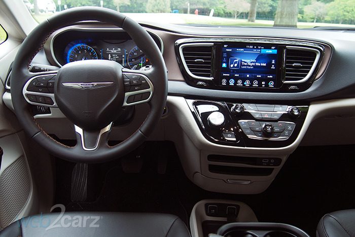 chrysler pacifica touring  review webcarz