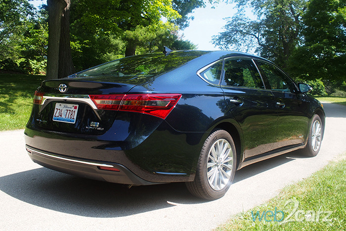 2016 Toyota Avalon Hybrid Limited Review | Web2Carz