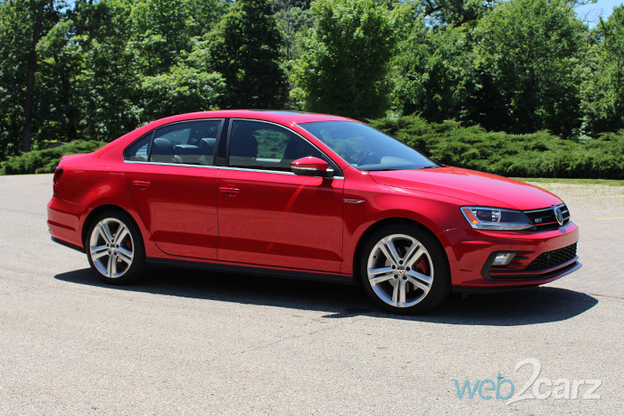 2016 volkswagen jetta 2 0 gli se review web2carz. Black Bedroom Furniture Sets. Home Design Ideas