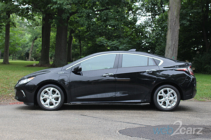 2017 Chevrolet Volt Premier Review | Web2Carz