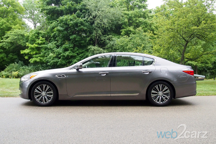 Kia K900 Luxury V6 Review