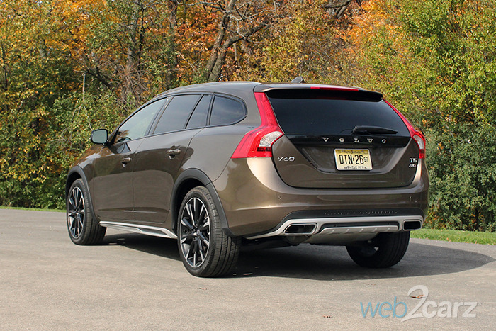 2017 volvo v60 t5 cross country review web2carz. Black Bedroom Furniture Sets. Home Design Ideas