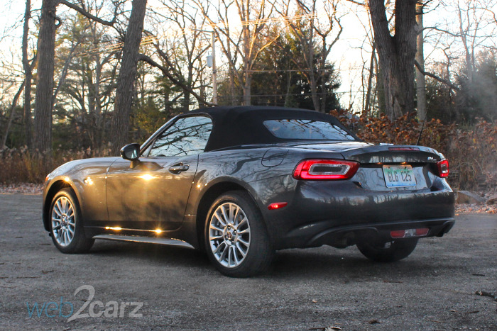 2017 fiat 124 spider classica review. Black Bedroom Furniture Sets. Home Design Ideas