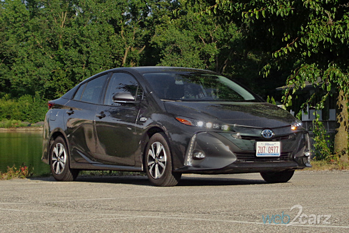 2017 toyota prius prime advanced review. Black Bedroom Furniture Sets. Home Design Ideas