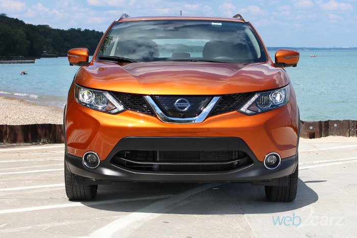 2017 nissan rogue sport sl awd review web2carz. Black Bedroom Furniture Sets. Home Design Ideas