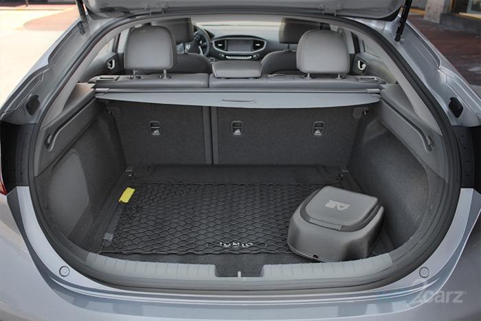 2017 Hyundai Ioniq Electric Limited Review Carsquare Com