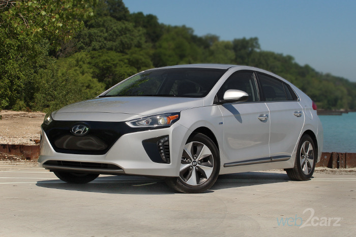 2017 Hyundai Ioniq Electric Limited Review