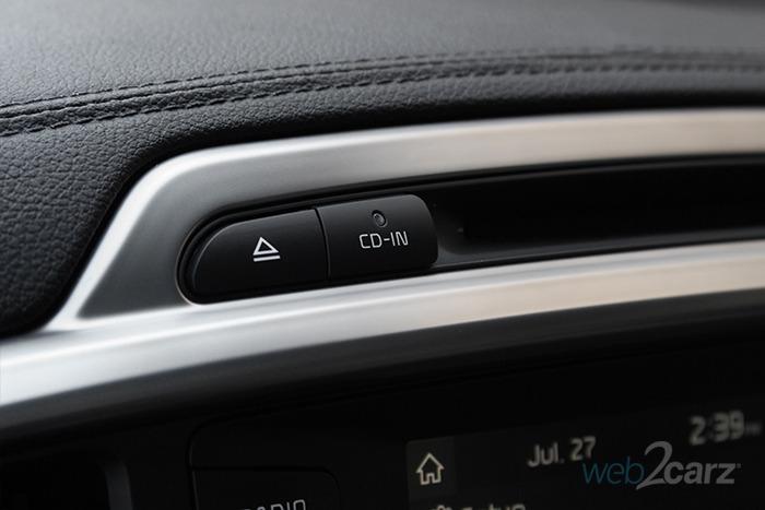 2017 Kia Sorento EX AWD 2.0T Review | Web2Carz