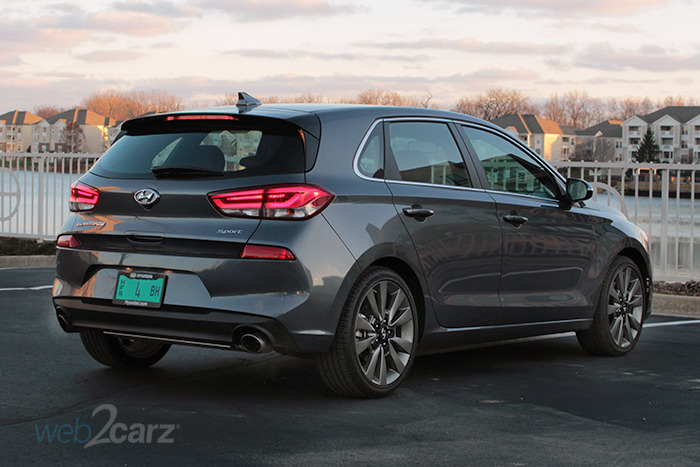 2018 hyundai elantra gt manual
