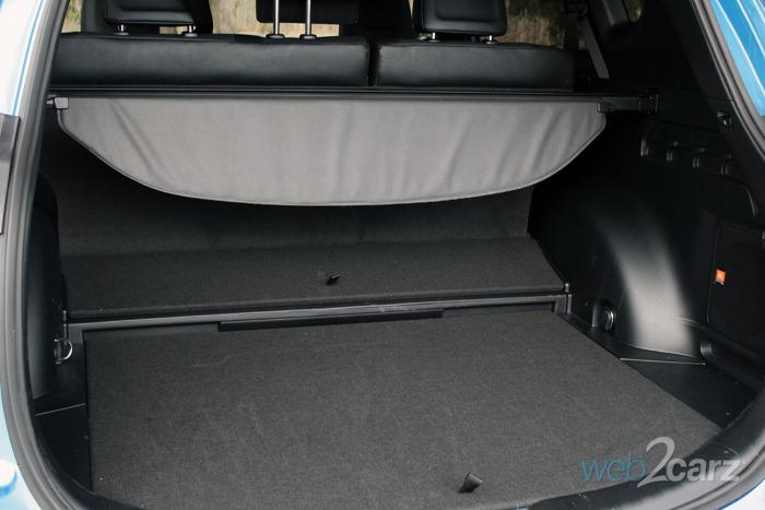 2018 Toyota RAV4 Hybrid SE | Carsquare.com